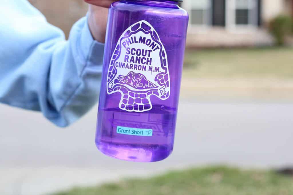 label mabels pada botol air pramuka cub