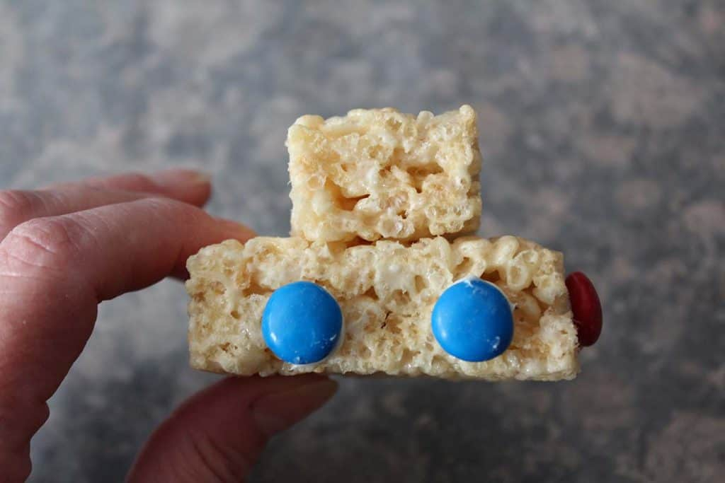 rice krispie treats car wheel placement pinewood derby refreshments