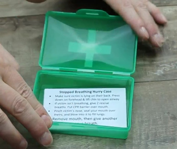 hurry case cards in container
