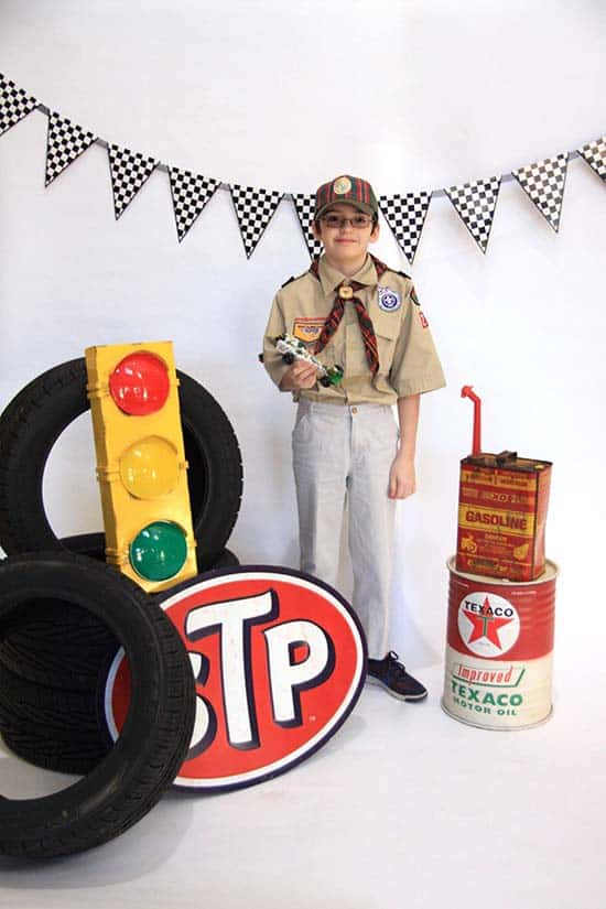 best pinewood derby photo booth idea