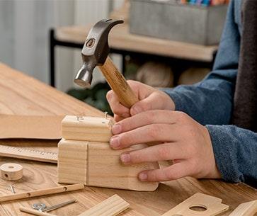 palu anak klub tukang kayu muda